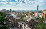 Парк Гуэля - знаменитый парк в верхней части Барселоны, созданный Антонио Гауди в 1900—1914 годах. Представляет собой сочетание садов и жилых зон.