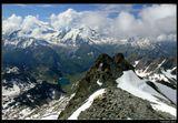 """* * *Монт Форт - самая высокая гора в массиве """"Четыре долины"""", вид с высоты 3300 м. Круговая панорама с этой вершины позволяет видеть более, чем 50 горных пиков, не менее 20 из которых превышают 4000 м. * * *Юго-Западная Швейцария, кантон Valais."""