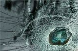Прилетевший камень в мое лобовое стекло стал в последствии арт объектом.Лаково-Акварельная миниатюра