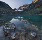 Россия, Республика Алтай, озеро Куйгук, сентябрь 2011. Панорама из двух горизонтальных кадров.