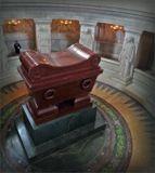 Красный порфир для саркофага Наполеона был привезен из Карелииhttp://www.funeralassociation.ru/ru/newspaper/new/0706/