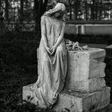 Надгробная скульптура памяти пианистки Анны Николаевны Есиповой и её сына 1851-1914Ночь МузеевСанкт-Петербург2014