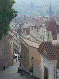 Прага утренняя - один из сходов от Пражского Града в Малую Страну