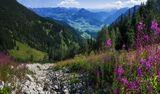 Где-то в Австрийских Альпах, хотя и начали мы свой путь точно в Баварии :) Можно смотреть под музыку http://www.youtube.com/watch?v=WFLZZHBtWKw