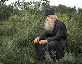Монах-отшельник Иоанн сидел в садике, рядом со своей кельей и думал о чём-то своём, монашеском...