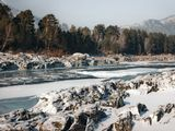 Горный Алтай.  Река Катунь вдоль Чемальского тракта.