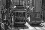 на узких (и кривых) улочках Лиссабона
