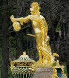 Петергоф (нидерл. Peterhof, «двор Петра») — дворцово-парковый ансамбль на южном берегу Финского залива. Санкт-Петербург