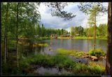 *  * *Это место находится примерно на полпути от финской столицы до пересечения с Северным полярным кругом (там, в Лапландии расположена известная деревня Санта Клауса в Рованиеми).* * *Финляндия, озеро Merkkuusaari, 500 км севернее Хельсинки