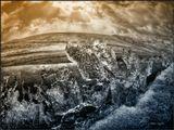 Не долговечные и уникальные весенние ледяные узоры на озере. Бурятия
