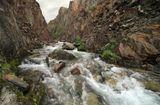 Каньон ручья Водопадный перед впадением в большую Кару