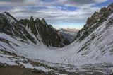 вид с перевала ВЦСПС (3750м), вершины МНР (3870м), Кавказские горы...