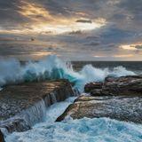 Продолжение серии волн на рассвете. В этот раз в квадрате :)море морской пейзаж океан Солнце рассвет оранжевый волна пена Австралия водопад