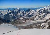 Безенги, снято на подходе к вершине Коштантау (5150м), видна гора Шхара(5203м), Айлама (4540м), Кавказские горы...