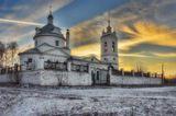 В центре села, неподалёку от дома Есениных, на берегу Оки выстроена церковь Казанской иконы Божией Матери (1779 год)