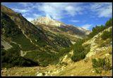 * * *Горный массив Пирин, включающий 45 вершин высотой более 2600 м, получил свое название  от славянского бога Перуна — повелителя грома и молний. По легенде, Перун жил на вершине горы Вихрен - самой высокой горы массива, третьей по величине на Балканах.  * * * Гора Вихрен, высота 2914 м, Юго-западная Болгария