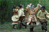 Говорят ительмены от природы необычайно пластичны. Это отмечали еще участники первой камчатской экспедиции Крашенникова  в XVIII веке. Здесь молодежь учат танцам с детства.