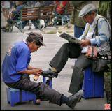Уличный перуанский фотограф. Арекипа (Arequipa), центральная площадь.