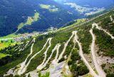 """* * * Эта альпийская дорога ведет к перевалу, где высятся две башни 14 века - важный стратегический форпост средних веков. В старину она соединяла долину Валтеллина в Италии со Швейцарией и была известна как """"путь соли и вина"""".Маршрут включен в список dangerousroads самых захватывающих и опасных дорог мира. * * * Перевал Torri di Fraele, Ломбардия. Италия-Швейцария, июль 2016"""