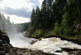 Водопад Кивач на реке Суна (Карелия). Один из порогов.