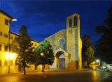 Одна из первых церквей города Ареццо. Тоскана. Италия.