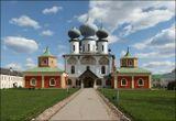 Собор Успения Пресвятой Богородицы (1507-1515) в Тихвинском Успенском монастыре. 04.05.2016.