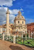 Колонна Траяна — колонна на форуме Траяна в Риме, созданная архитектором Аполлодором Дамасским в 113 году н. э. в честь побед Траяна над даками.Выполнена из 20 блоков каррарского мрамора, имеет высоту 38 м (вместе с пьедесталом) и диаметр 3,6 м (внизу). Внутри колонна полая: в ней находится винтовая лестница со 185 ступенями, ведущая к площадке на капители. Весит монумент около 40 тонн.