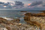 средиземное море, небо, камни, вода, песок, облака, море, пляж, парк, штиль, национальный парк, израиль, север, закат, солнце, ветер, сильный ветер, большие волны, волна, зима, природа, пейзаж