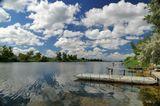Природа, облака, река.