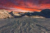 Эльбрус, вид на обсерваторию с высоты 3300м, Балкария...работа сделана из двух кадров разных по времени (30-40мин.)...