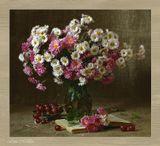 Условия съемки - домашние. Цветы и виноград - настоящие. :)