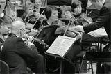 Красноярский академический симфонический оркестр Дирижёр – Владимир Ланде .