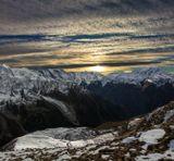 закат над Накратау (4300м), снимок сделан при спуске , после восхождения на вершину Курмачи (4170м), Кавказские горы...