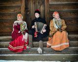 Музей деревянного зодчества - Малые Карелы. Коллектив народной песни и танца.