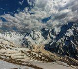 ущелье Адылсу, внизу озеро Башкара, вершины: Джантуган, Башкара, Уллукара, Кавказ...