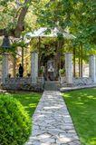 Маленькая церквушка Божьей Матери в огромном платане. Возможноединственная в своем роде, по крайней мере тут в Греции,очень не обычное место.