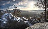 Прошла пора грибов и ягод,Под снегом горная гряда...Но не спеши по лету плакать:Поверь, зима не навсегда!____________________________Январь в древних горах Бурятии