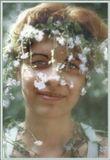 ЗЕНИТ-ЕТ + ГЕЛИОС 44-2 2/ 58 ММ на Кодаковской плёнке :) --- Это настроение из архива воспоминаний… Июнь 1999-го… Солнце… в траве озёра незабудок… Разве могут девушки удержаться от плетения венков? – да ни за что!!! А в глазах… незабудковое небо! Радость… Счастье… Жизнь… Несмотря на яркий свет, диафрагму открыла полностью – чтобы солнечный поток лился через край - подставляйте ладони!!! (выдержка, соответственно, 1/500 с)