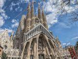 Искупительный храм Святого Семейства. Автор проекта Антонио Гауди. Заложен в 1882 г. Строительство продолжается по сей день.