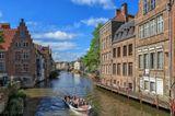 Великолепный город! Недооцененный и незаслуженно стоящий в тени таких городов, как Брюгге и Антверпен!  Гент - потрясающая архитектурная выставка стилей: романского, готического, ренессанса, барокко, классицизма и модерна!