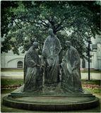 Памятник установлен возле Успенского кафедрального собора. г. Ярославль