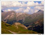 """Крутых вершин важны уроки. Здесь крюк нужней, чем разговор. И водопады, как потоки  Нежданных слез стекают с гор ...  Серия """"Покорение Гросглокнера - самой красивой высокогорной дороги мира"""". Австрийские Альпы."""