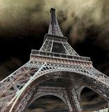 Эйфелева башня. Снимал с градиентным фильтром . Графику усилил фотошопом.