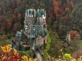 Замок Эльц (нем. Burg Eltz) — замок в земле Рейнланд-Пфальц близ Виршема в долине реки Эльцбах, отделяющей Майфельд от предгорьев Айфеля. Замок Эльц считается наряду с дворцом Бюрресхайм единственным сооружением в Айфеле, которое никогда не подвергалось захвату и не было разгромлено. Замок уцелел даже во время войн XVII и XVIII вв. и потрясений Французской революции. Замок в долине речушки под названием Эльц был построен предположительно в XII ве