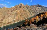 Скалистые берега Катуни.