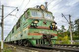 ВЛ80С-2232 Новочеркасский электровозостроительный завод. 1989 г.в. Снимок сделан в сентябре прошлого года. На сегодняшний день электровоз снят с эксплуатации. На момент съёмки, редкий экземпляр в таком окрасе и со звездой (скорей всего последний).