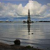 колокольня Никольского собора. Еще одно фото. Пока уменьшал размер камня в ЛНУ с колокольни ушло солнце :-)