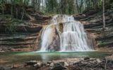 Краснодарский край, окрестности Геленджика, конец апреля. Один из множества великолепных водопадов в верховьях р. Жане. Небольшая видеозарисовка этой реки - https://www.youtube.com/watch?v=imSmPRMWp-M