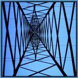 под напряжением примерно 200 - 330 кВольт (мачта ЛЭП на станции *Отдых*) завороженная этой *энергетической* геометрией, нажала на кнопочку своей цифромыльнички в день летнего солнцестояния.