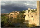 Примерно те-же места, что и на вчерашней фото, (http://www.lensart.ru/picture-pid-8b0b.htm) тот-же мостик, что угадывался вчера, та-же река, и примерно тот-же пейзаж, который видел гениальный Ель Греко четыре века назад.